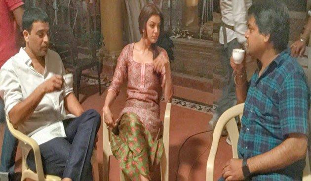 dil raju, harish shankar , kajal agarwal on the sets of khaidi no 150