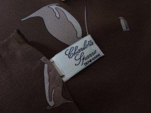 Charlotte Spare Denmark jedwabna apaszka wzór w pingwiny trendy retro vintage