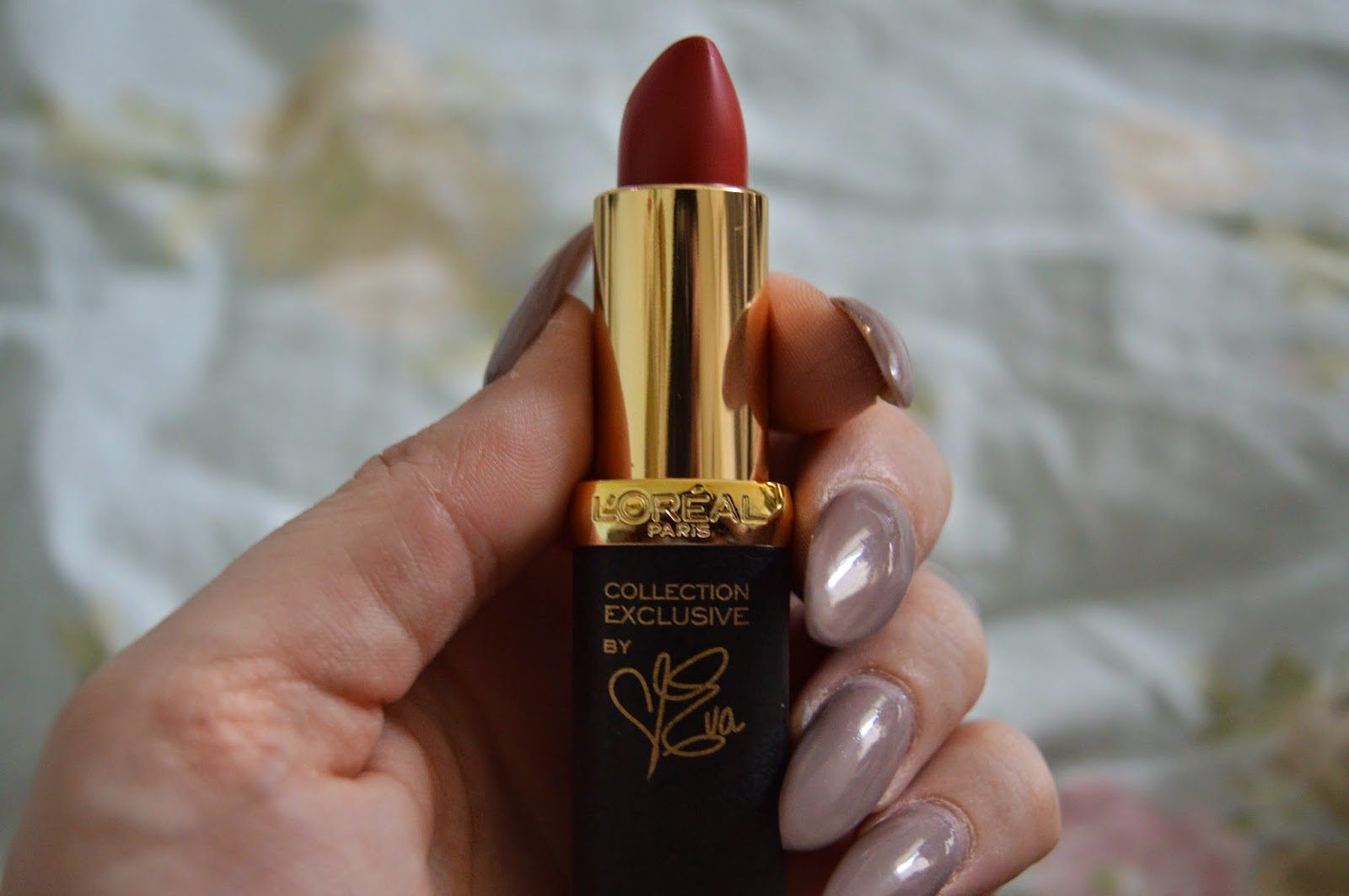 Red lipstick by Eva for L'oreal