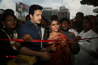 Actress Samantha Pictures in Saree at South India Shoping Mall Launch  0371.JPG