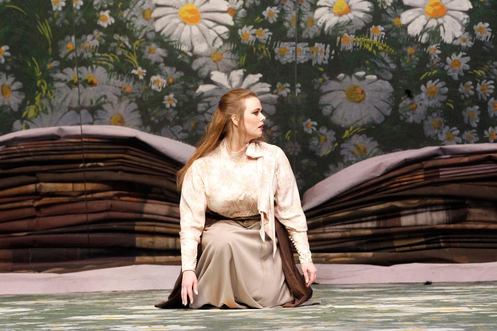 SINGER SPOTLIGHT: Soprano JESSICA PRATT as Violetta in Victorian Opera's 2014 production of Giuseppe Verdi's LA TRAVIATA in Melbourne, Australia [Photo by Jeff Busby, © by Victorian Opera]