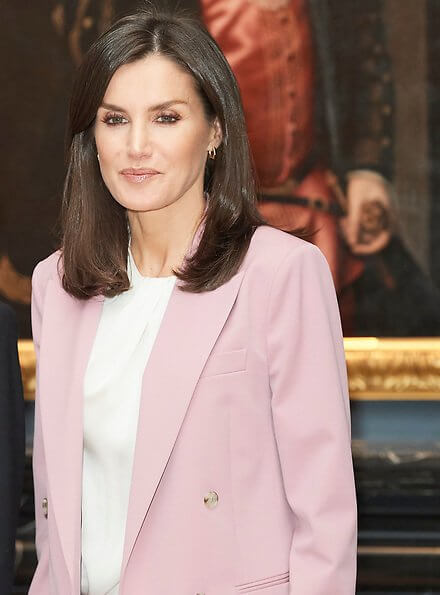 Queen Letizia wore Boss Jericoa stretch wool double breasted blazer and trousers, and silk blouse