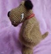 http://www.arteydiversidades.com/2013/06/perros-y-gatos-amigurumis.html