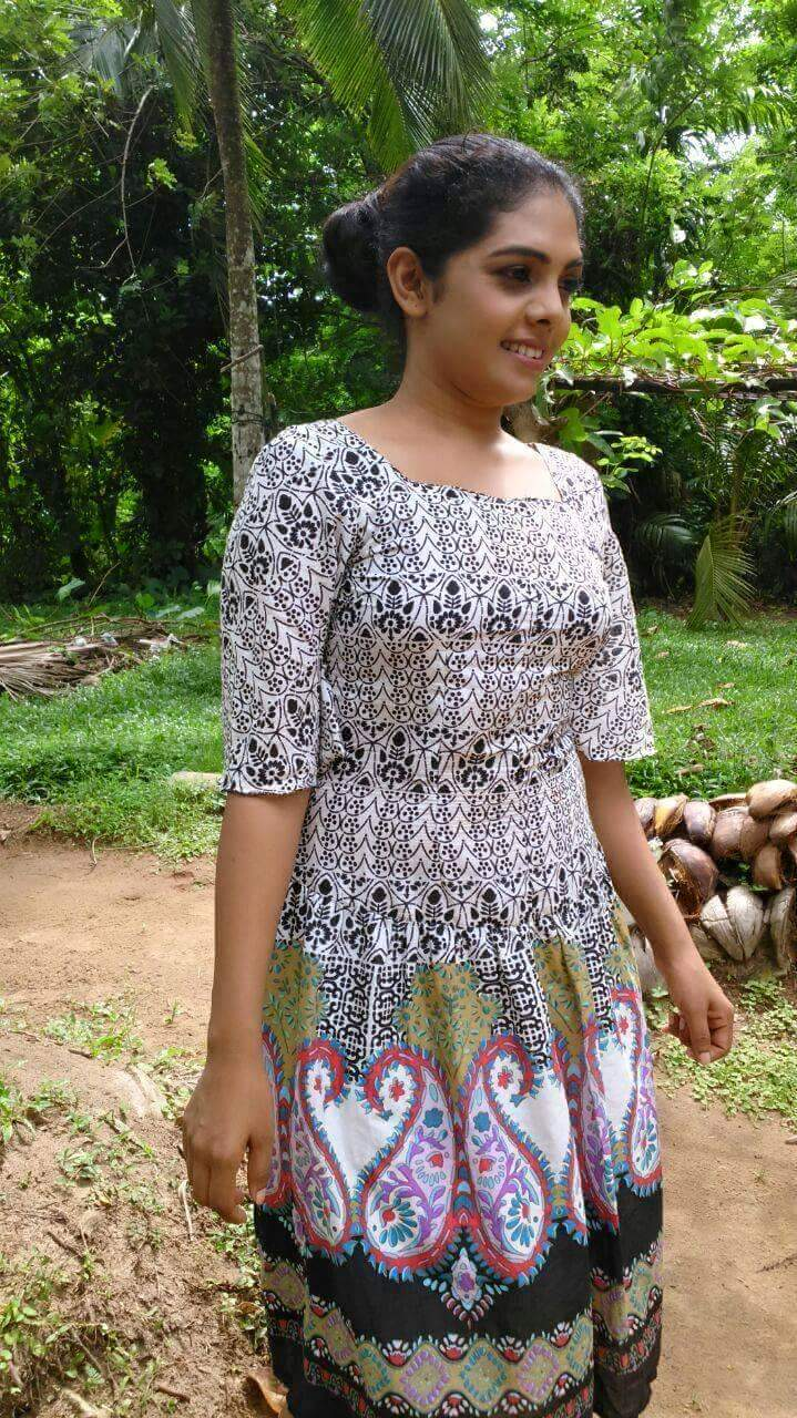 Sri Lankan Sexy Girls  Srilankan Sexy Girls Boobs-4059