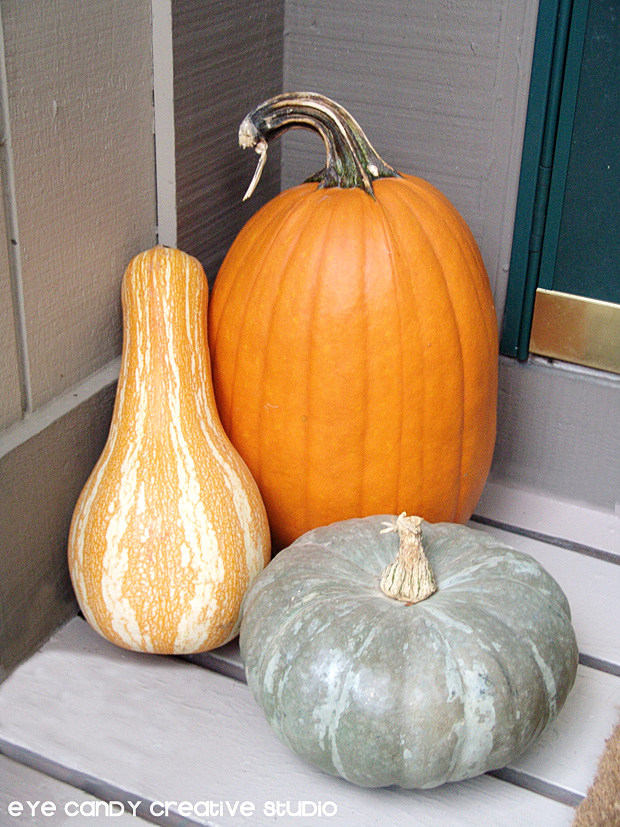 pumpkins on front porch, fall decorating, front porch makeover