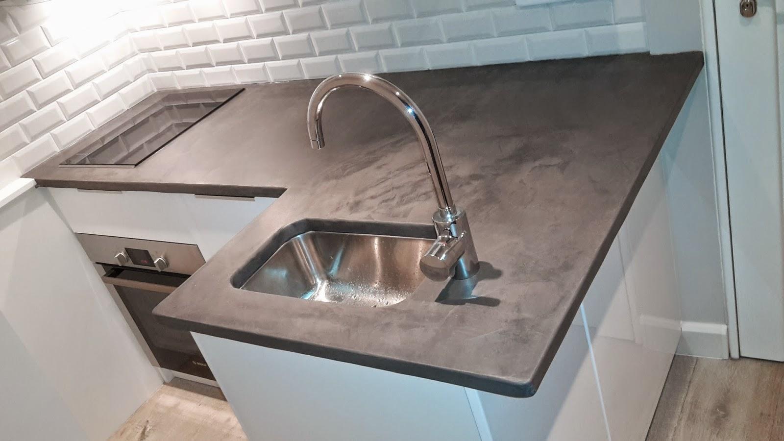 brok n deco cuisine plan travail beton cire et credence. Black Bedroom Furniture Sets. Home Design Ideas