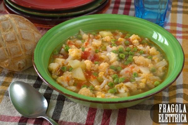 Zuppa con Cavolfiore, Patate e Piselli