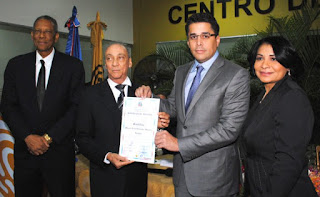 Junta del DN entrega certificado de elección a David Collado
