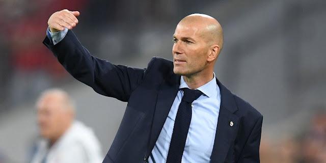 """- Zinedine Zidane akan berusaha mewujudkan kembali magisnya sebagai pelatih Real Madrid saat timnya bersua Liverpool di final Liga Champions, Minggu (27/5) dini hari WIB nanti. Zidane sudah pernah membawa Real Madrid ke dua final sebelumnya (2015/16 dan 2016/17) dan berhasil keluar sebagai juara.  Namun bagi Zidane laga kali ini akan lebih sulit daripada dua final sebelumnya. Zidane juga tidak pernah sekalipun memandang Liverpool sebagai tim yang lebih lemah daripada tim-tim yang dikalahkan Madrid di fase gugur (PSG, Juventus, Bayern Munchen) musim ini.  """"Ini mungkin adalah final paling sulit bagi kami. Pastinya kami tidak berpikir bahwa Liverpool lebih lemah daripada tim-tim lain, karena mereka tidak demikian. Mereka mendapatkan final ini karena performa hebat mereka,"""" tegas Zidane di laman resmi realmadrid.  """"Mereka bermain dengan baik dan mengalahkan tim-tim hebat. Memang sudah cukup lama sejak terakhir kali mereka mencapai final, tapi ini adalah klub dengan sejarah hebat dan memahami cara yang tepat untuk bermain di pertandingan seperti ini.""""  Dikatakannya, sebagai tim Inggris Liverpool memiliki kekuatan lebih dalam hal fisik para pemainnya. Tapi menurut Zidane kekuatan Liverpool yang lebih berbahaya adalah kecepatan serangan balik mereka.  """"Kami harus mencapai level terbaik kami, bukan hanya secara fisik. Mereka adalah tim Inggris, jadi mereka tidak akan pernah menyerah.""""  """"Mereka tidak hanya bergantung pada kekuatan fisik saja, tapi juga teknik apik mereka dengan kecepatan tinggi dan pemain-pemain hebat,"""" tutup Zidane."""