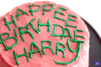 9 Put Your Green Frosting It In A Piping Bag Or Plastic And Cut Hole At The Tip Pipe On Happee Birthdae Harry Youre Done