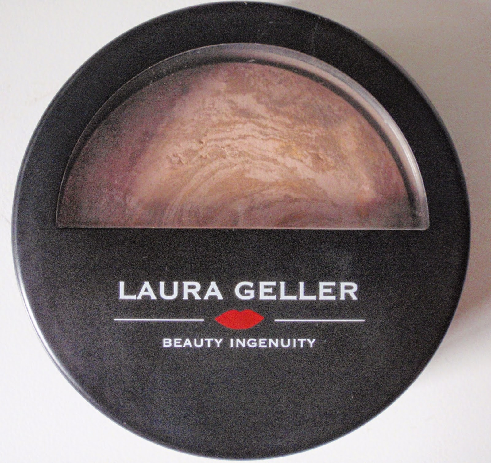 Laura Geller Balance-N-Brighten Foundation