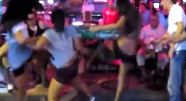 A három lány brutálisan elintézte a szexuális zaklatót. Videó!