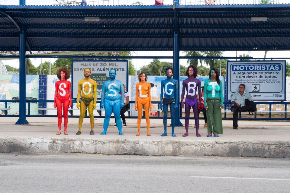 Ato em Maceió pede o fim da violência contra população LGBT