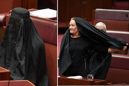 Niat Hati Mau Sindir Islam, Anggota Senat Ini Malah Dipermalukan Orang Banyak