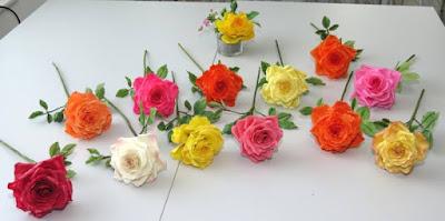 Sugar roses from gumpaste - Zucker Blumen für Motivtorten