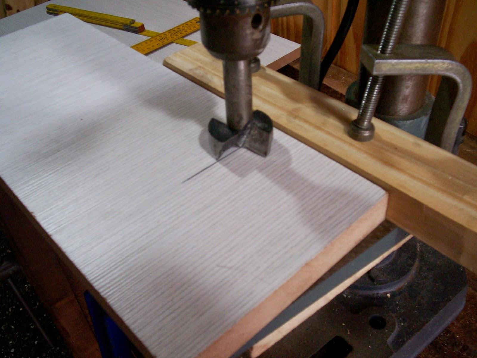 Carpintero en casa : Como colocar bisagras en mueble de cocina
