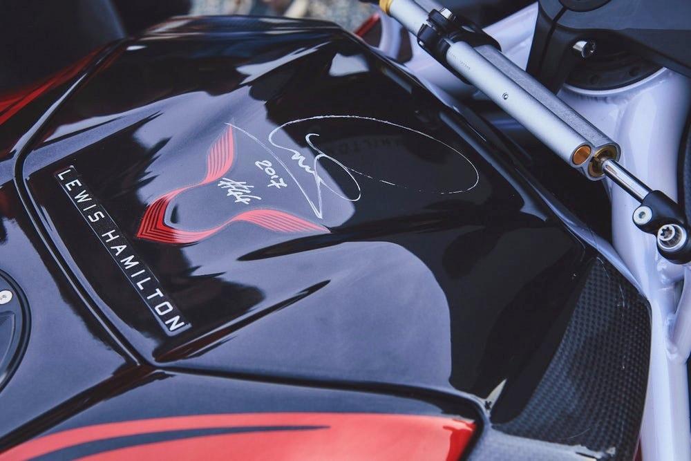 Diproduksi dalam jumlah terbatas, MV Agusta rilis F4 LH44 Special Edition hasil kerjasama dengan Lewis Hamilton
