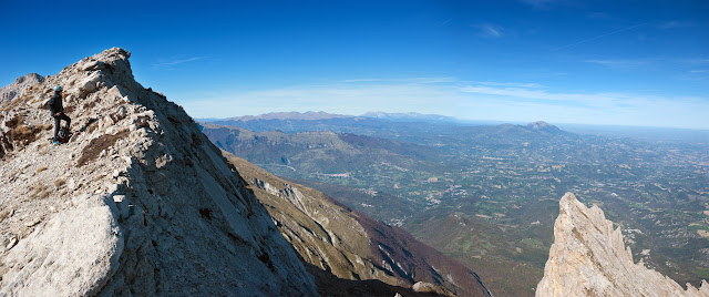 Monte Camicia, cresta ovest e Pietra della Spia