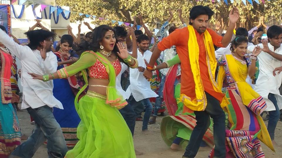 Rakesh Mishra, Anjana Singh Shooting stills of Bhojpuri Movie Dil Hai Ki Manta Nahi