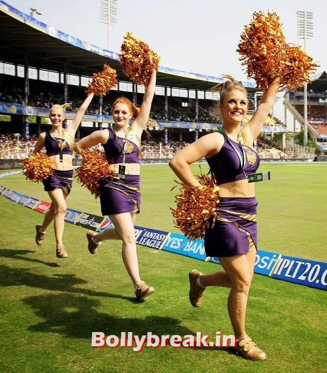 Kolkata Knight Riders cheerleaders enthrall the spectators, Which team has the sexiest cheerleaders in the IPL 7