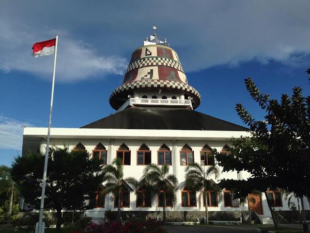 Wisata Religi Masjid Baitul Musyahadah Banda Aceh