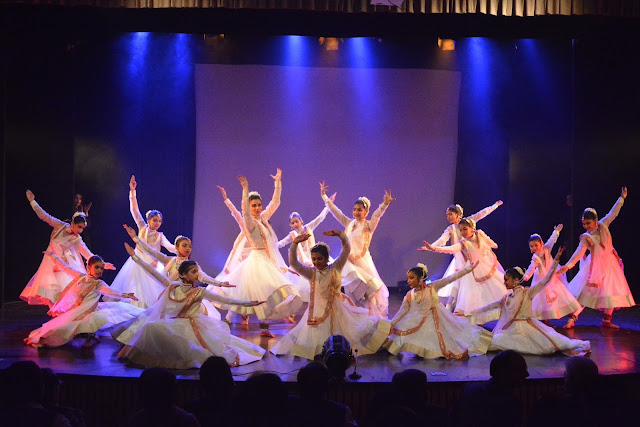 Dance performance by Rekha Mehra's Group-min