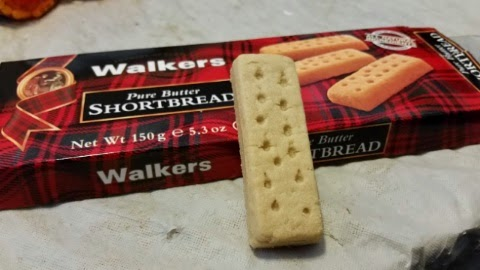 walkers shortbread cookies close up 2
