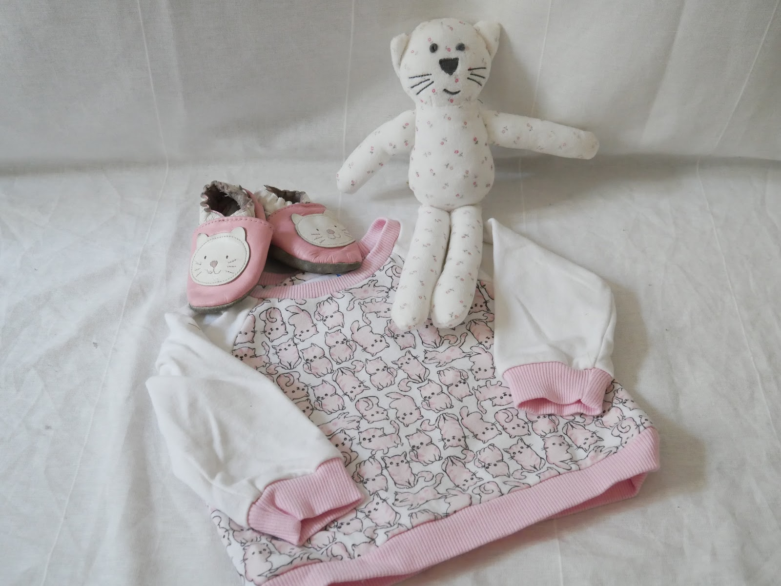 df14c8a1e4823 J ai toujours aimé les jolies pièces pour habiller les enfants. S il est  vrai que j achète la plupart de leurs vêtements dans les grandes enseignes  pour des ...