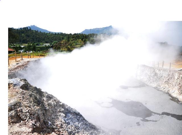 Kawah Sikidang (Sikidang Crater)