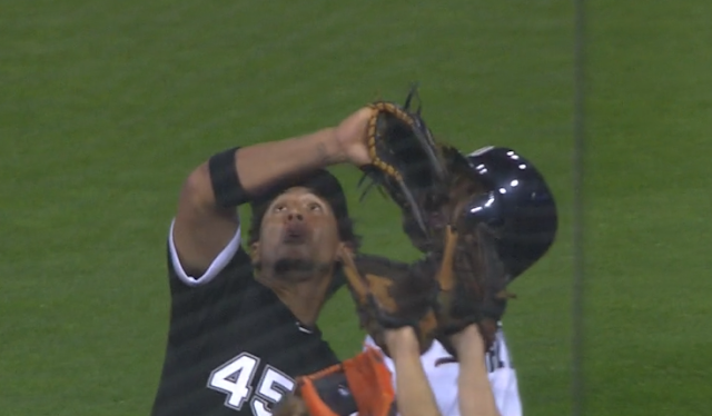 Jon Jay blocked from making catch by Tigers ballboy 8/6/2019