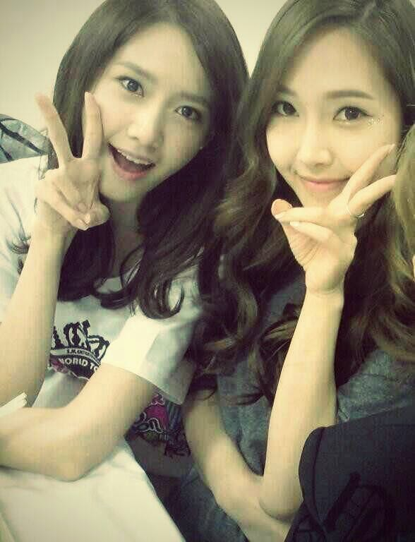 [PICTURE] 140423 SNSD YOONA AND JESSICA SELCA ~ Soshihappy ...