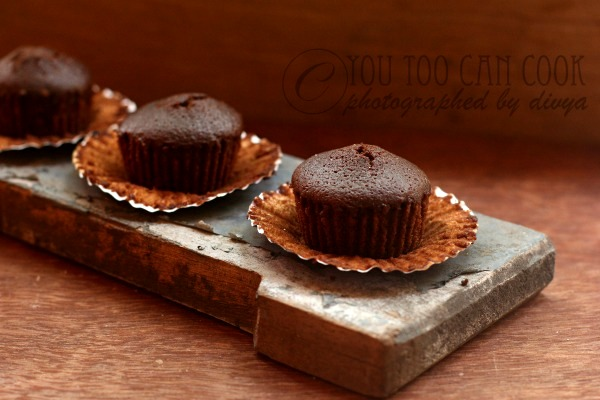 how to cook eggless cake in cooker