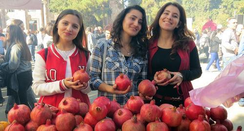 Artsaj celebra festival de la granada