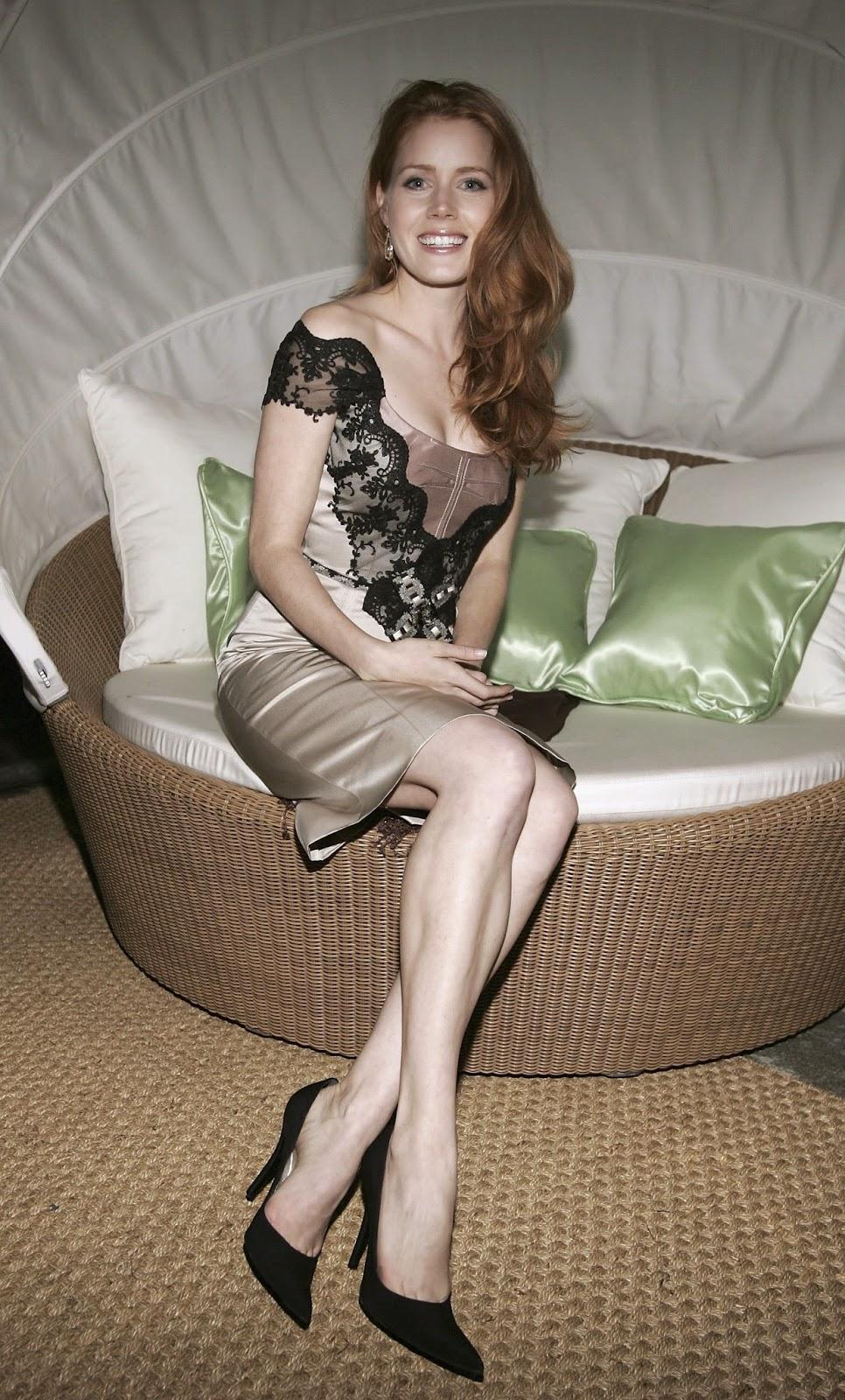 Her Calves Muscle Legs: Amy Adams Hot Feet and Calves