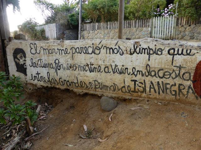Los vecinos de Isla Negra veneran a Neruda y lo muestran en sus calle