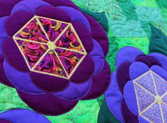 Blossoms quilt closeup