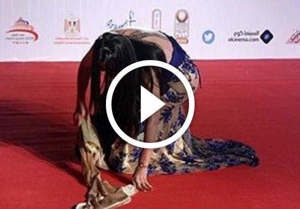 بالفيديو.. لحظة سقوط سما المصري في مهرجان القاهرة السينمائي