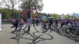 racefiets Giro Roze
