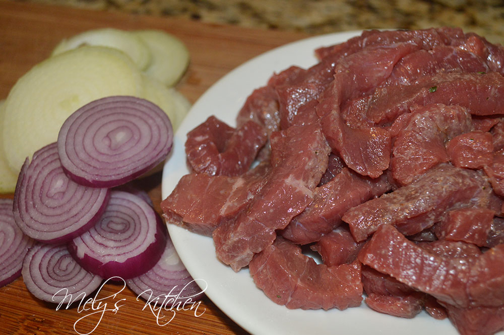 Mely's kitchen: Braised Beef with Onion