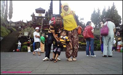 explore Pura Besakih Bali