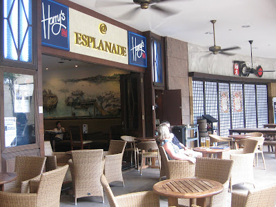 which is prissy for anyone looking for a house to hang out as well as convey a drinkable Singapore attractions : Harry's