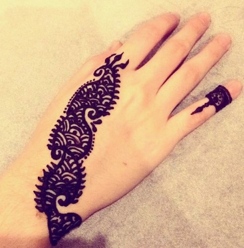 Gambar Henna Tangan Kiri 3