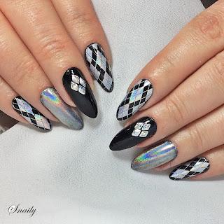 http://snaily-nails.blogspot.com/2018/01/holove-sweterki.html