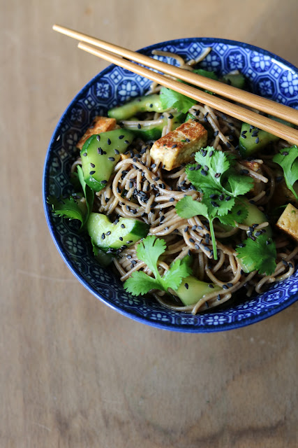 Otsu - Sobanudelsalat mit Gurke und Tofu