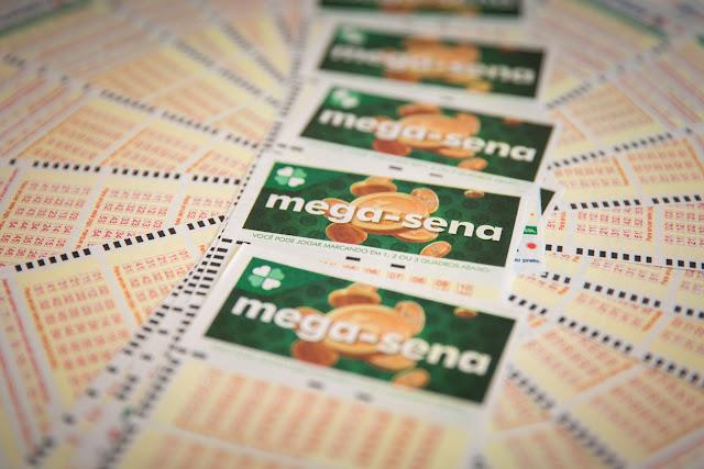 Ninguém acerta as seis dezenas da Mega-Sena e prêmio vai a R$ 32 milhões