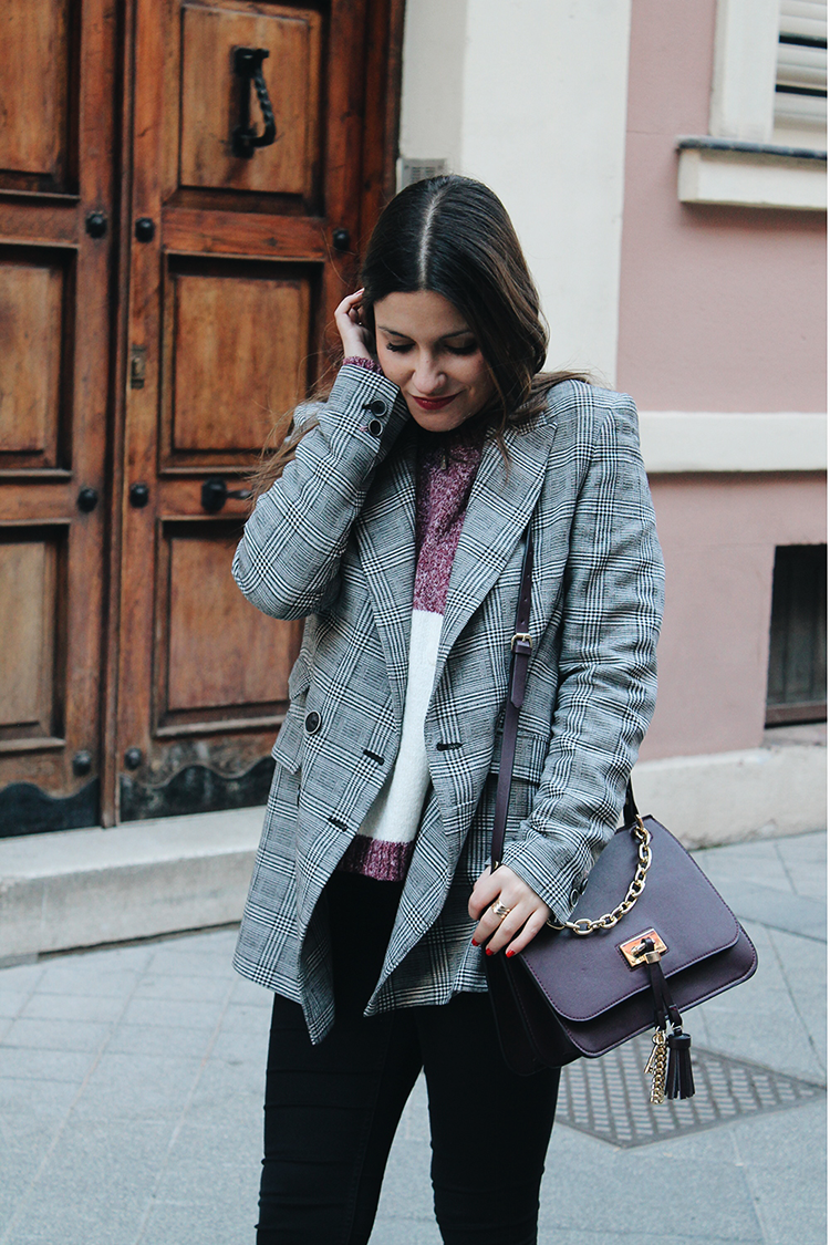 Look con  blazer de cuadros blog de moda