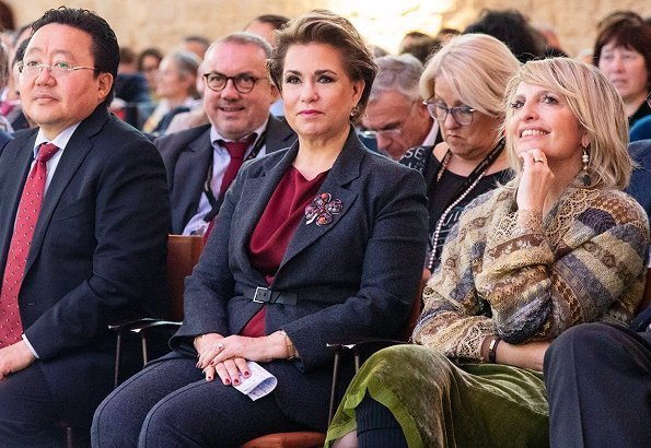 Grand Duchess Maria Teresa was invited to speak at the XVth edition of Les Entretiens de Royaumont in Paris
