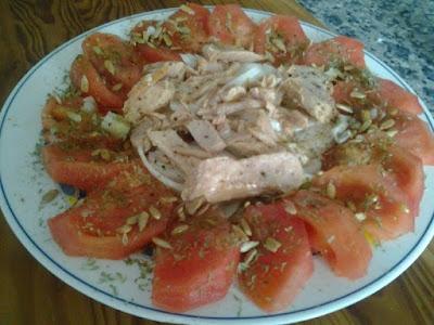 Tomates con Melva y Pipas