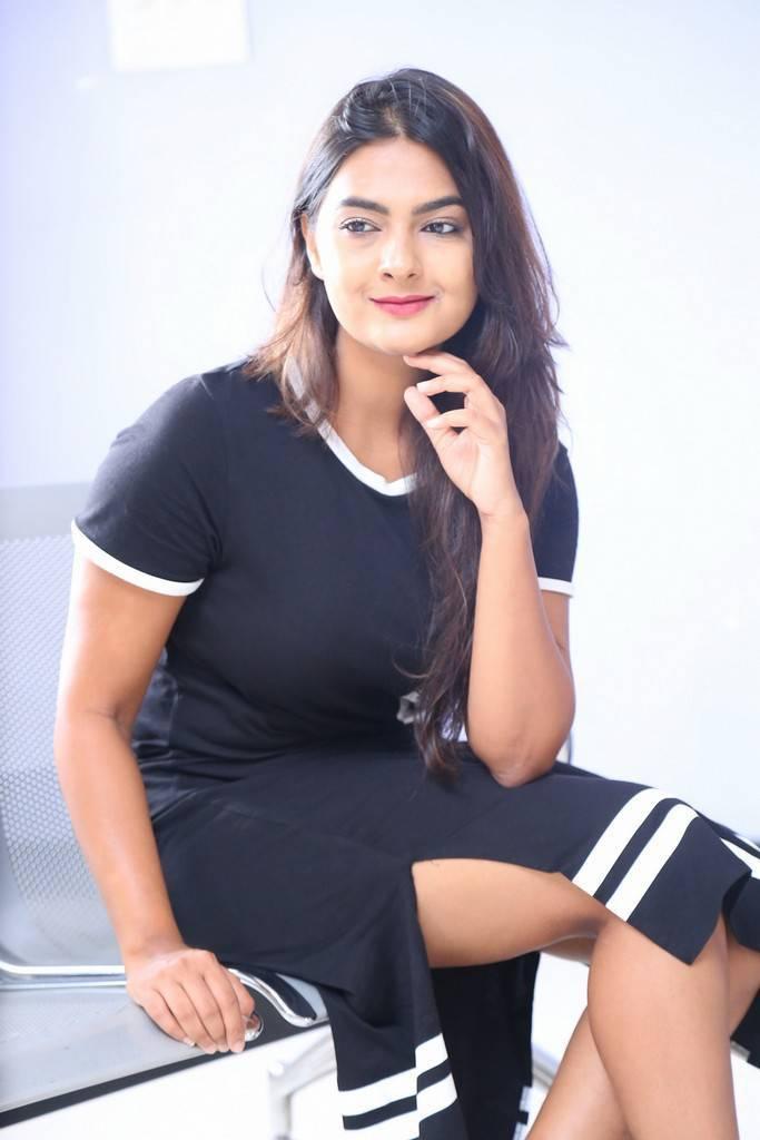Neha Deshpande At Vaadena Movie First Look Launch Pics