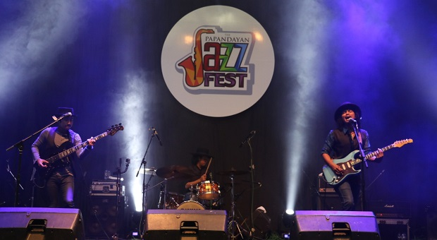 Gugun Blues Shelter Hentak Hari Pertama the Papandayan Jazz Fest 2018